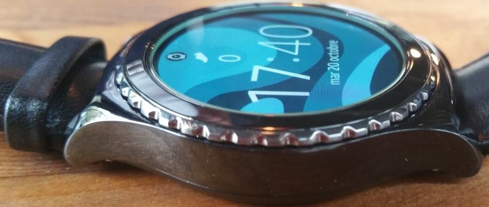 Samsung Gear S2 (bague rotative)