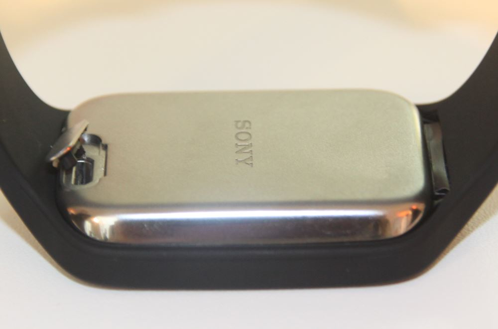 Sony Smartwatch 3 (port microUSB)