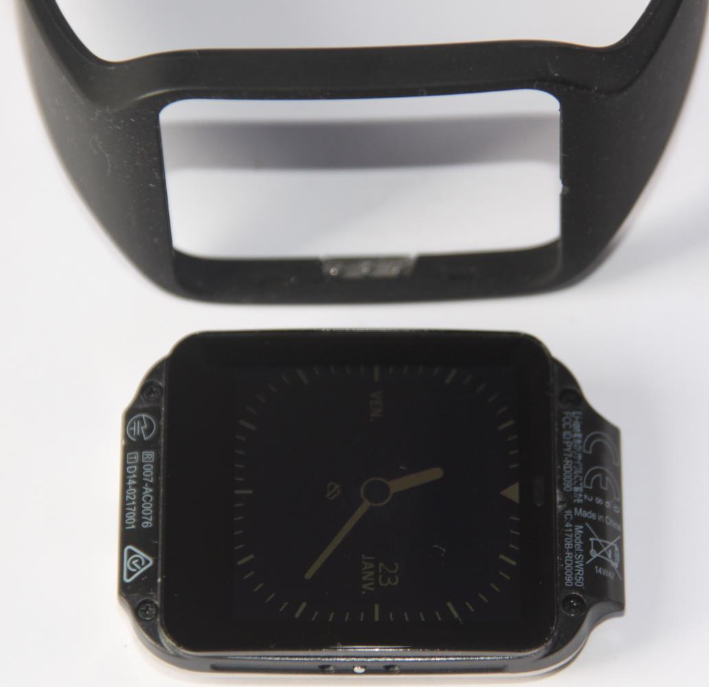 Sony Smartwatch 3 (bracelet/coque interchangeable)