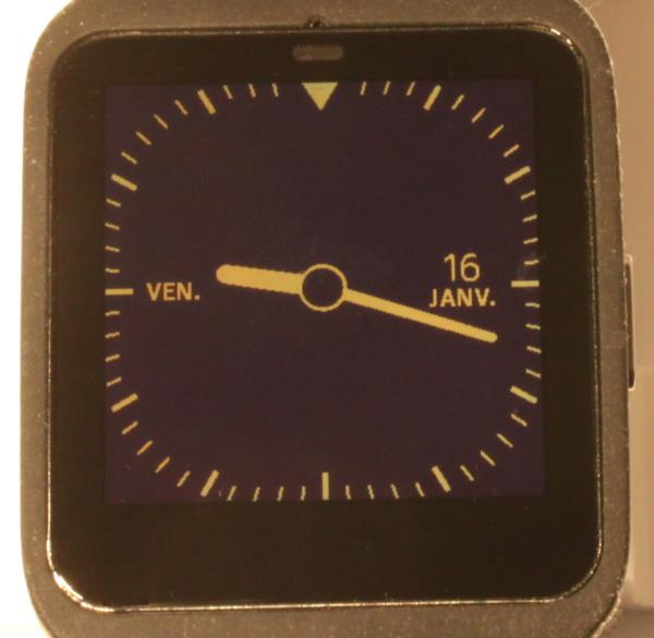 Smartwatch 3 (mode réflexif en forte luminosité)